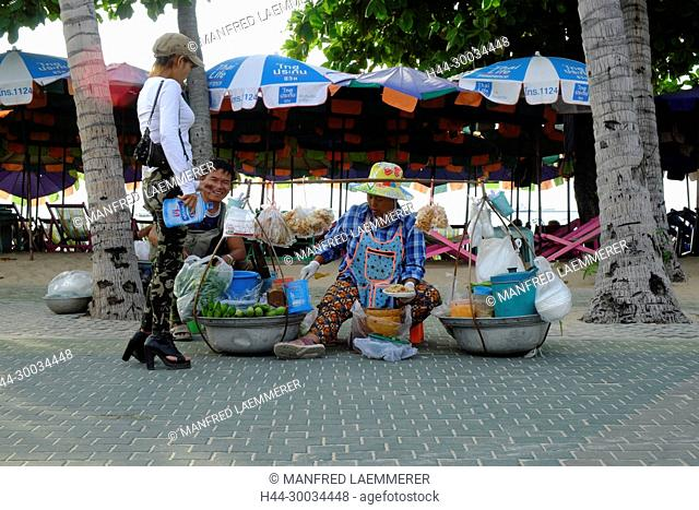 Asien, Thailand, Chonburi, Pattaya, Samtam Verkäuferin an der Strandpromenade