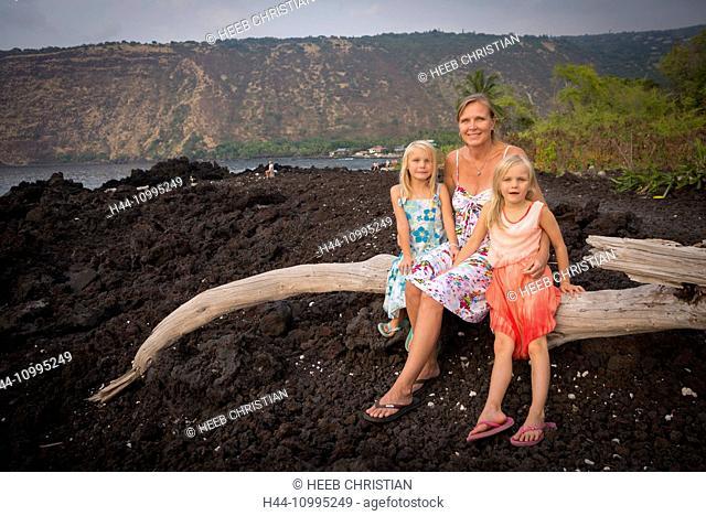 USA, Vereinigte Staaten, Amerika, Hawaii, Big Island, Lisa Britz and daughters