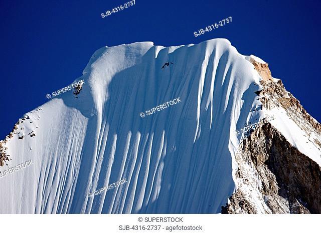 Snow flutes on a steep ridge near Mount Everest, Nepal