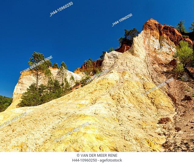 Le Colorado de Rustrel, Colorado, landscape, summer, mountains, hills, ochre, Rustrel, Vaucluse, France, Europe