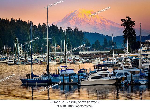 This photo was taken at sunset in the small town of Gig Harbor in Washington state        The equipment used was a Canon 5D Mk II with an EF 70-200/4L IS lens...
