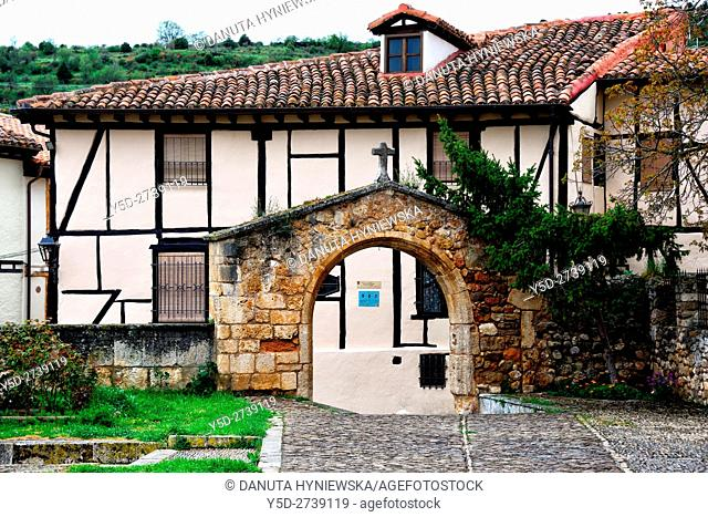 architecture of old town of Covarrubias, entrance gate and yard of Santo Tomas church, Ruta del Cid, Burgos province, Castilla-León, Castile and León