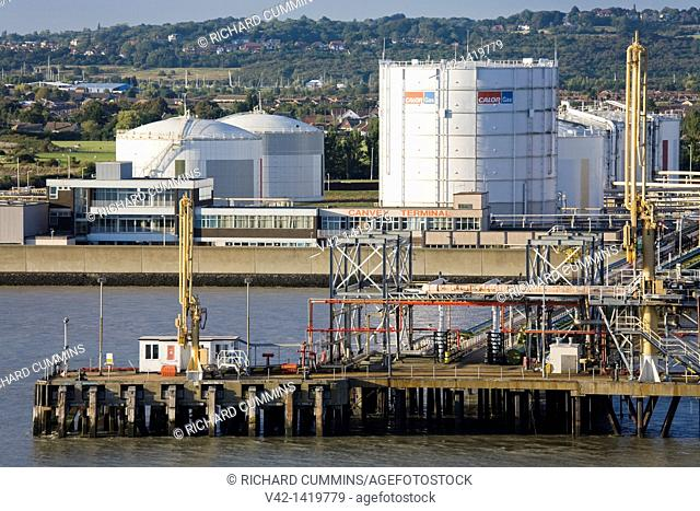 Canvey Gas Terminal in Southend-on-Sea, River Thames, Essex County, England, United Kingdom, Europe