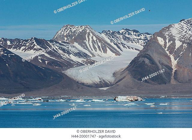 Spitsbergen, Svalbard, Kongsfjord, pack ice, glacier, water