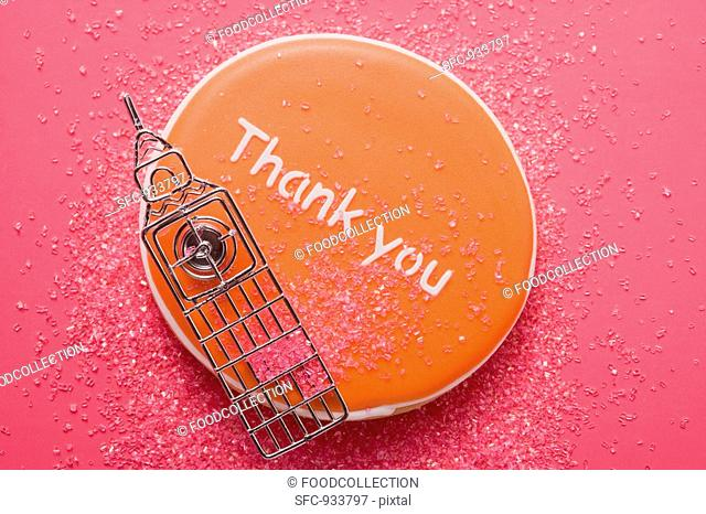 An English biscuit with the words 'Thank you'