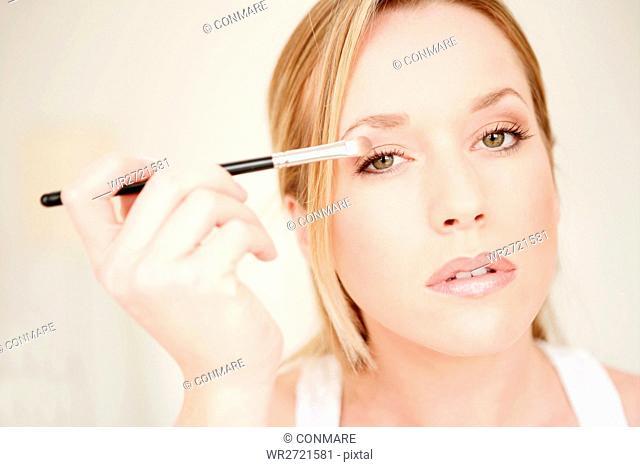 young, woman, applying, face, eye shadow, fresh, b