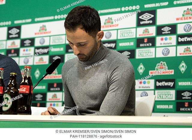 Domenico TEDESCO (coach, GE) is visibly drawn, during the press conference, after the game, frustrated, frustrated, frustrated, disappointed, disappointed