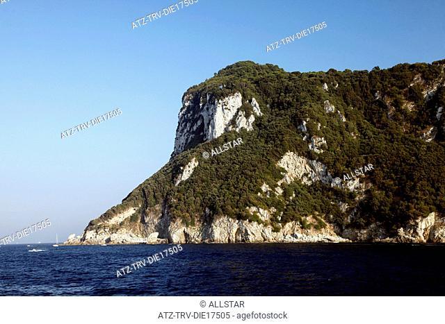 WHITE CLIFFS AT HARBOUR ENTRANCE; MARINA GRANDE, ISLAND OF CAPRI, ITALY; 17/09/2011