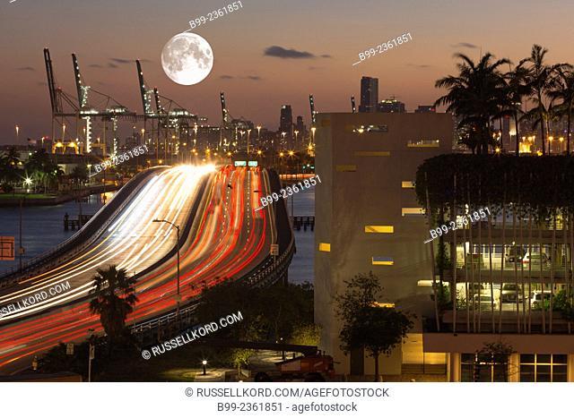 Highway Traffic Macarthur Causeway Port Of Miami Florida Usa