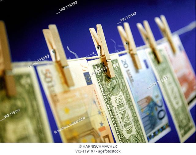 Euro and Dollar hanging on a clothes-line.  - 27/10/2005