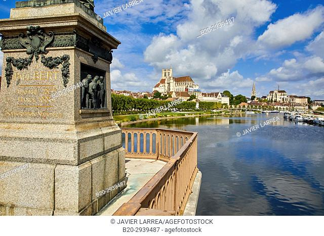 Paul Bert bridge, Yonne river, Auxerre, Yonne, Burgundy, Bourgogne, France, Europe