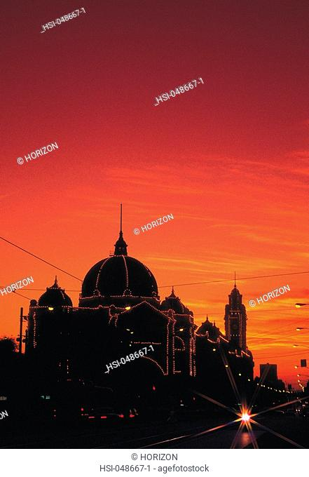 Australia, Victoria, Melbourne, Flinders Street Station, Sunset