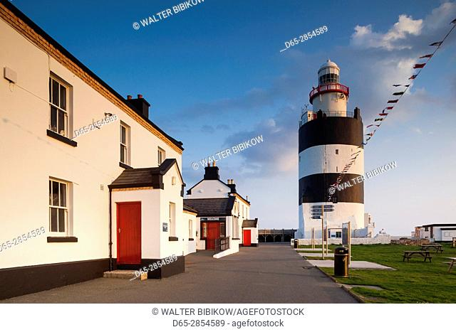 Ireland, County Wexford, Hook Peninsula, Hook Head, Hook Head LIghthouse, sunset