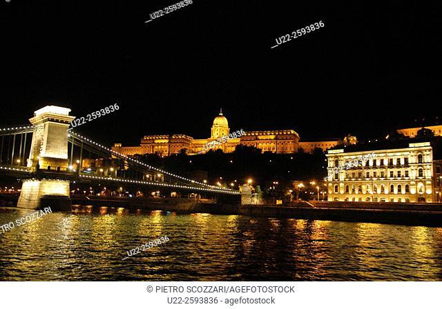 Europe, Hungary, Budapest, Chain Bridge and the Royal Palace