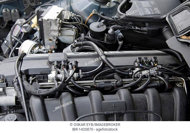 Gas injectors, LPG system STAG-300-6 plus in a car of the BMW 7 Series, model E38, built 1997, 6-cylinder straight engine with 142kW, Stuttgart
