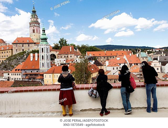 Tourist, Historic old town, UNESCO World Heritage Site, Cesky Krumlov, Czech Republic, Europe