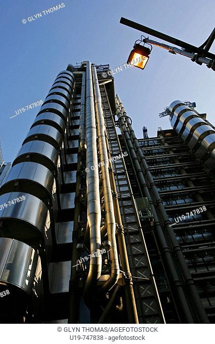 Lloyd's Building, designed by Richard Rogers, London, England, UK