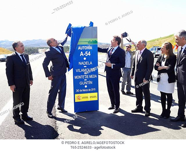 INFRASTRUCTURE LUGO.- The president of the Xunta, Alberto Nuñez Feijóo, accompanied by the Regional Minister of Infrastructure Ethel Vazquez and Secretary...