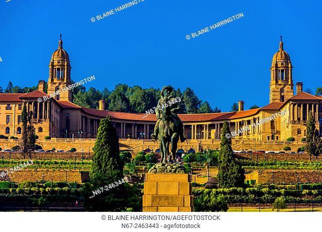 The Union Buildings form the official seat of the South African government and also house the offices of the president of South Africa