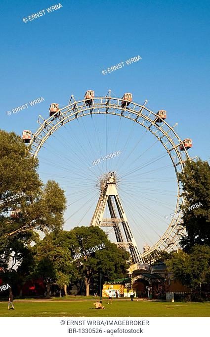 Wiener Riesenrad, Viennese giant ferris wheel, Volks-Prater amusement park, Vienna, Austria, Europe