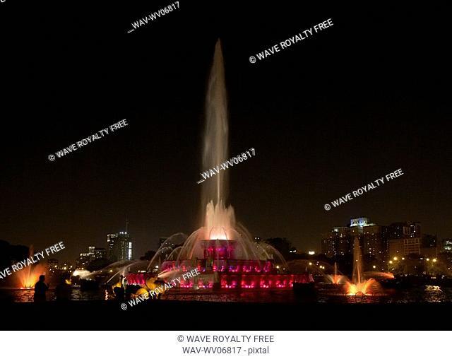 Buckingham Fountain at night, Chicago