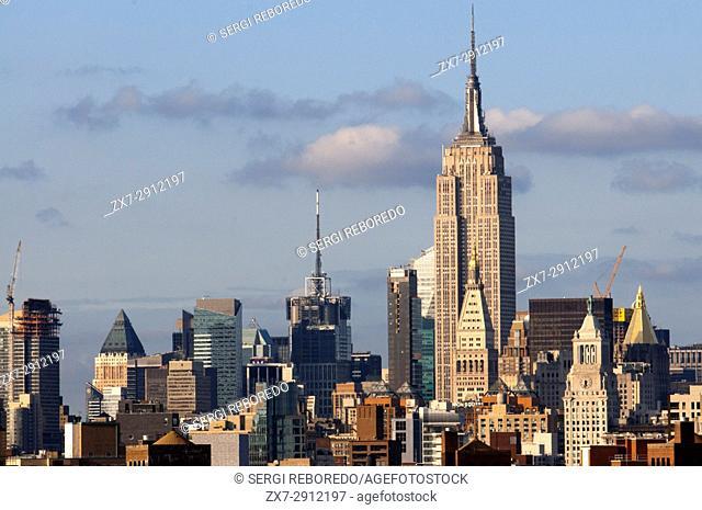 Empire State Building from The Brooklyn Bridge, manhattan, New York City, USA