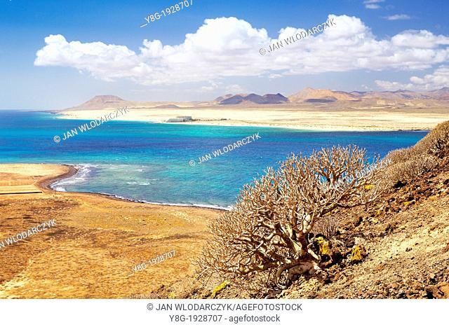 Lobos Island, in the background Fuerteventura Island, Canary Islands, Spain