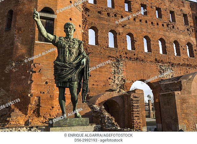 Caesar Augustus statue, Porta Palatina, Torino, Italy