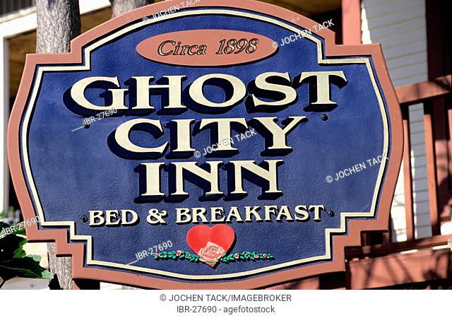 USA, United States of America, Arizona: Sign of a Bed & Breakfast in old mining an ghost town Jerome