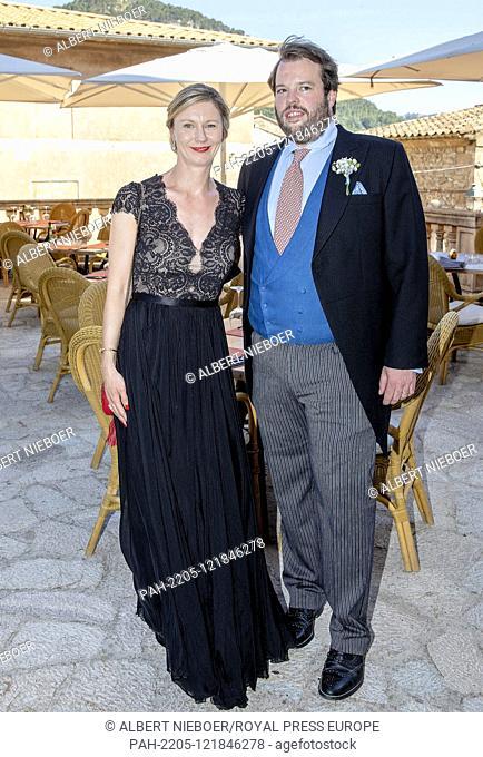 Hereditary Prince Ferdinand of Leiningen and Princess Viktoria Luise von Preussen arrive at the Esglesias de Montes-Son in Pollensa, on June 29, 2019