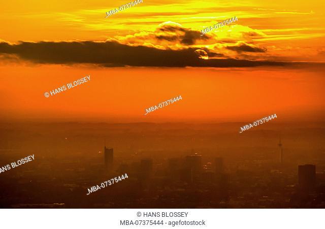 Essen skyline, sunset, Essen, Ruhr area, North Rhine-Westphalia, Germany