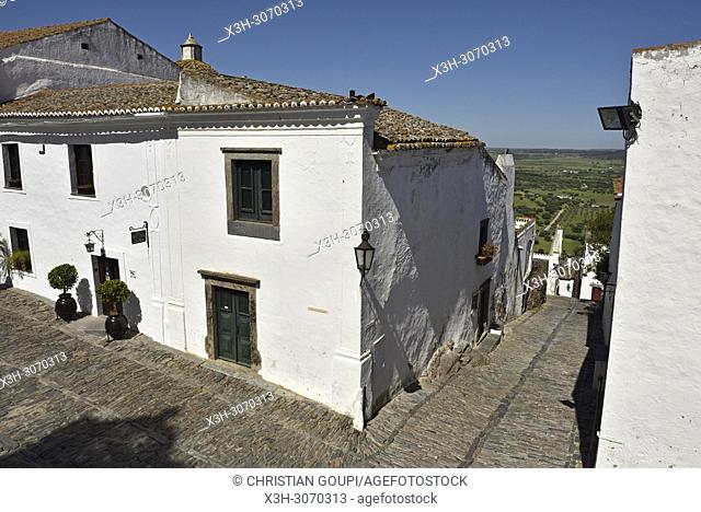 main square of the perched village Monsaraz, Municipality of Reguengos de Monsaraz, Alentejo region, Portugal, southwertern Europe