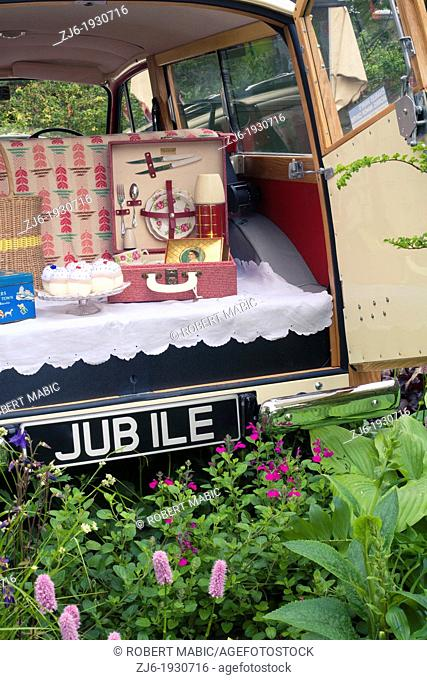 Picnic jubile at RHS Chelsea Flower Show 2012, London England