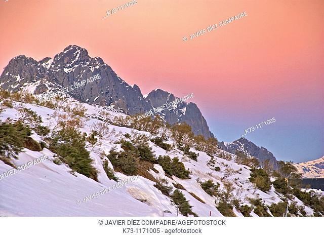 Peña Llesba and Peña del Gustal. San Glorio Mountain Pass. Picos de Europa National Park. Cantabria. Spain