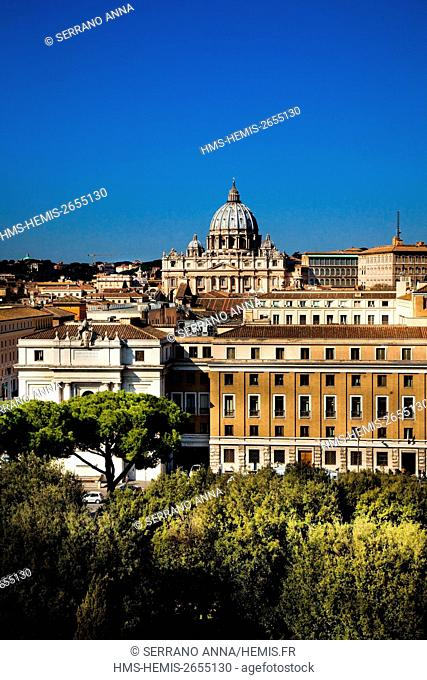 Italy, Latium, Rome, historical centre listed as World Heritage by UNESCO, San Pietro in Vaticano seen from Castel Sant'Angelo