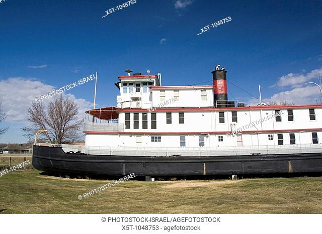 Iowa USA, IA  Sioux City, The 'Sergeant Floyd' steamboat on the banks of the Missouri river  Now used as a welcome center to Iowa and a museum in Sioux City...