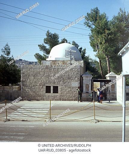 Ein Besuch von Rachels Grab in Judäa, in der Nähe von Bethlehem, Israel 1970er Jahre. Visitation of Rachel's Tomb in Judea near Bethlehem, Israel 1970s