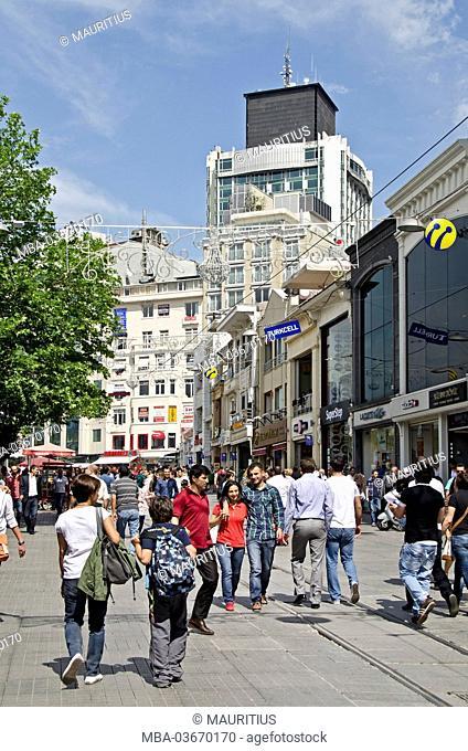 Turkey, Istanbul, Istiklal street, passer-by