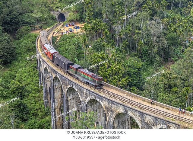 Nine Arches Bridge, Ella, Sri Lanka, Asia