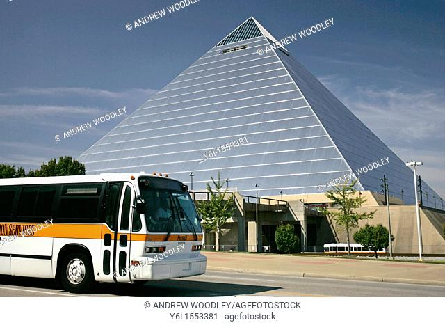 Coach passing the Pyramid Arena Memphis USA