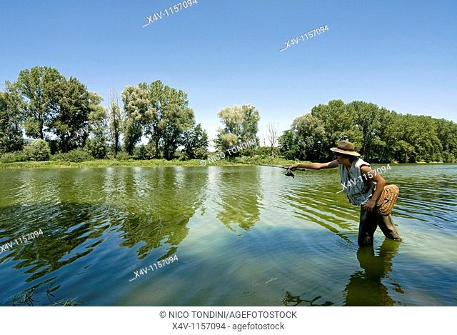 Fishing in Arno River, Ponte Buriano, Arezzo, Tuscany, Italy, Europe, M R