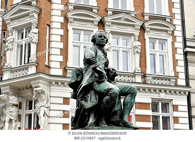 Monument by Fritz Schaper, GOTTHOLD EPHRAIM LESSING, 1729-1781, built in 1881, Gaensemarket square, Hamburg, Germany, Europe