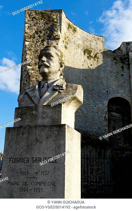 Statue Of Compiegne's Mayor, Fournier Sarloveze And JohanOf Arc's Tower, Compiegne, Picardy, France