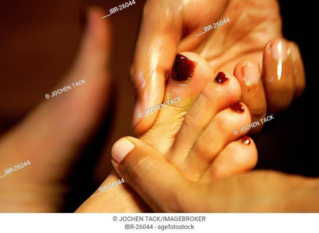 LKA, Sri Lanka : Siddhalepa Ayurveda Resort , Foot massage