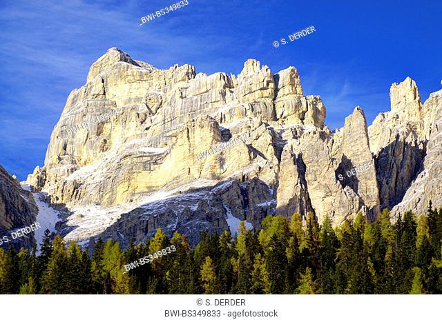 dolomite summit of the Tofane group, Tofana di Rozes, Italy, South Tyrol, Dolomiten , Cortina Ampezzo