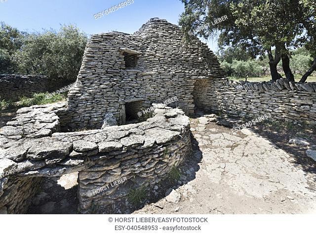 Ancient stone buildings, Bories village, Gordes, Provence-Alpes-Cote dâ. . Azur, France, Europe