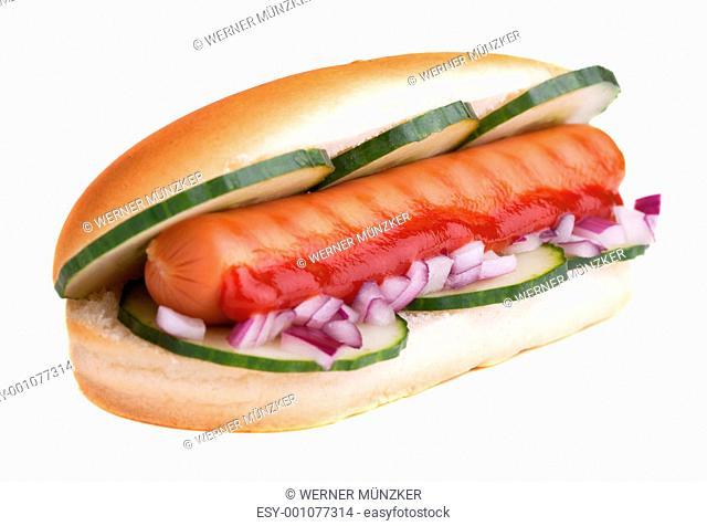 Hot Dog vor weißen Hintergrund