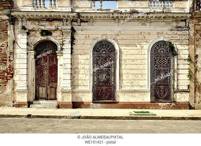 The colorful architecture of Cienfuegos streets