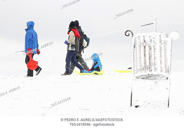 06. 04. 2013, Nearly thirty provinces are now weather alert because of the snow, rain and wind. In the picture some tourists roam the tourist town of O Cebreiro
