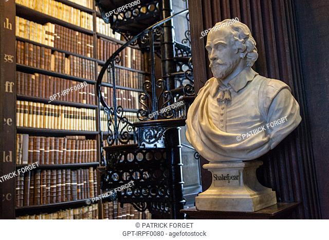 BUST OF SHAKESPEARE (WILLIAM SHAKESPEARE) IN THE OLD LIBRARY OF TRINITY COLLEGE, NASSAU STREET, DUBLIN, IRELAND